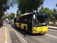 Karşıdan karşıya geçerken otobüs çarptı