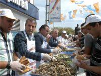 AK Parti Sarıyerden Hamsi Şöleni