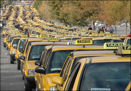 Taksicileri gasp eden zanlı yakalandı